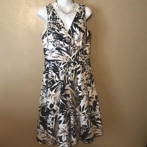 WHBM Flowered pleated dress size 10 cotton